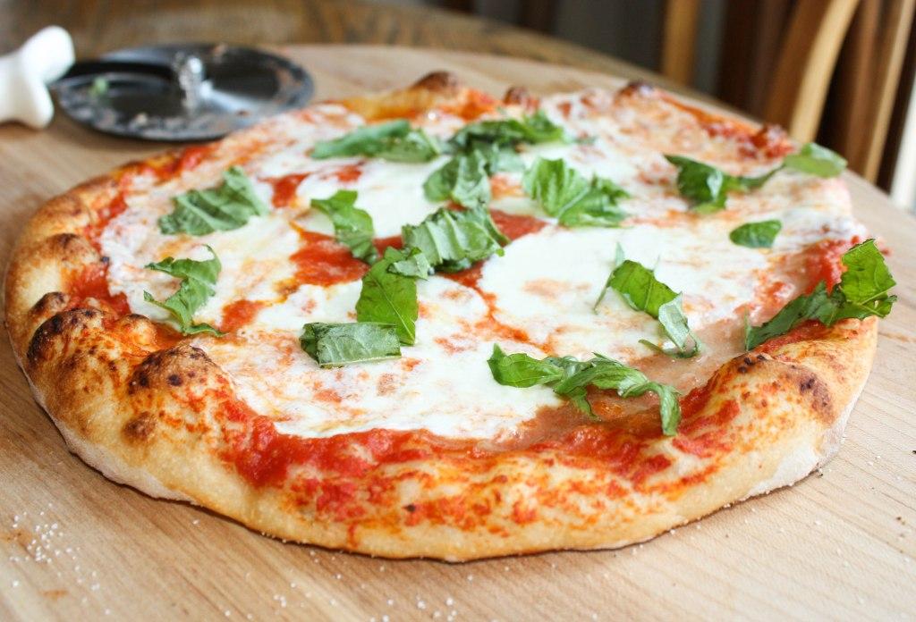 7 dias pela Itália. Pizza napolitana.