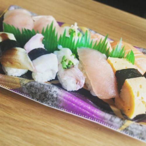 ちょっと豪華にスーパーの寿司にしてみた♪ #寿司 #すし #お寿司 #おすし #スーパー