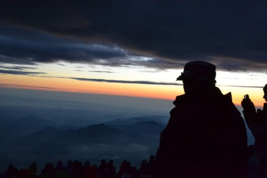 富士山 登山 富士登山 登頂 頂上 御来光 ご来光