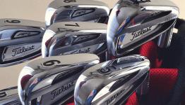 titleist-golf-clubs-in-bag