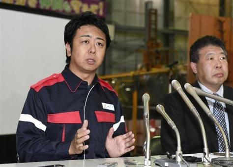 地盤の専門家らを集めた会議を終え、記者会見する高島宗一郎福岡市長=14日午後、福岡市博多区