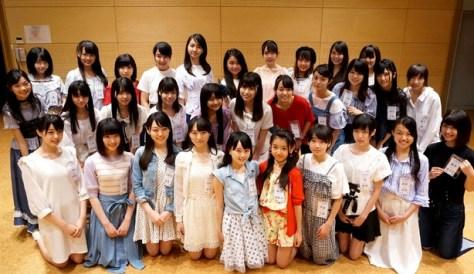 メジャーデビュー発表を聞いたSTU48のメンバー31人(指原、岡田は発表時不参加)