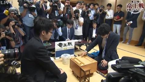 藤井聡太四段29連勝に先輩棋士から祝福の声 羽生善治三冠「新しい時代の到来」