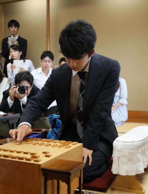 連勝がストップした藤井聡太四段