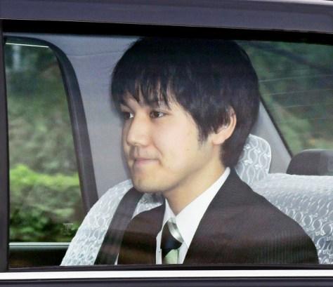 乾門から皇居に入る小室圭さん(3日午前)=代表撮影