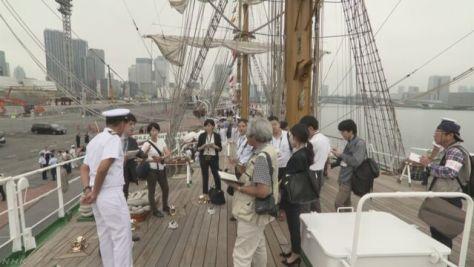 メキシコ海軍の帆船が東京湾に 船内の一般公開始まる