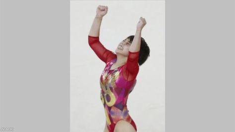 村上茉愛がゆかで初の金メダル 体操世界選手権
