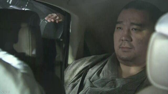 日馬富士 警察の任意聴取で暴行認める