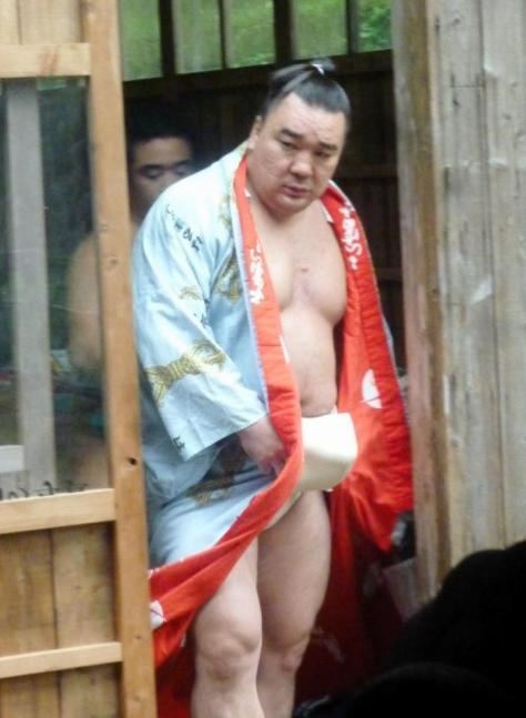 朝稽古を行った日馬富士