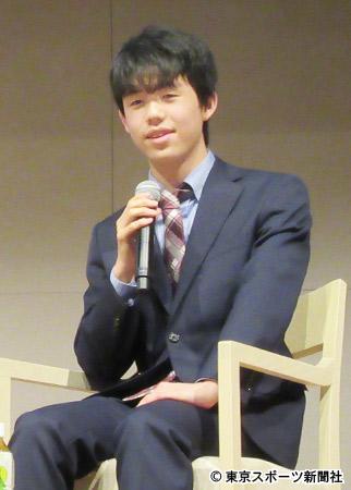 トークショーを行った藤井聡太四段