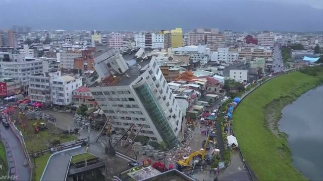 台湾地震から2日 倒壊ホテルに客7人取り残されたか 救出急ぐ | NHKニュース