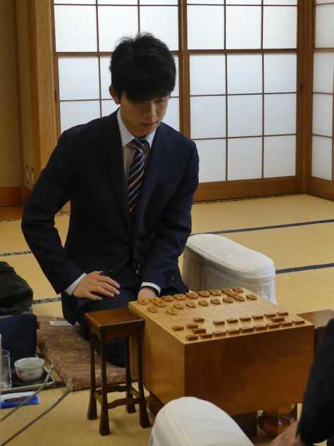 竜王戦ランキング戦5組準々決勝で阿部光瑠六段と対局した藤井聡太六段