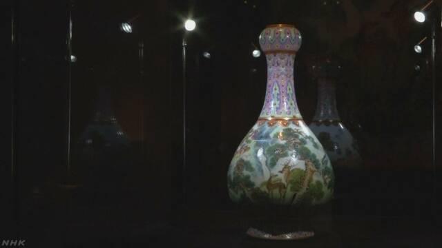 屋根裏の花瓶 21億円で落札 実は清朝時代の磁器 フランス