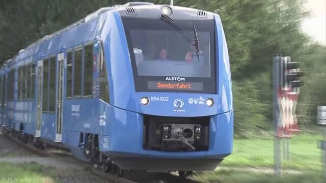 燃料電池で動く電車 ドイツで実用化 営業運転前に公開   NHKニュース