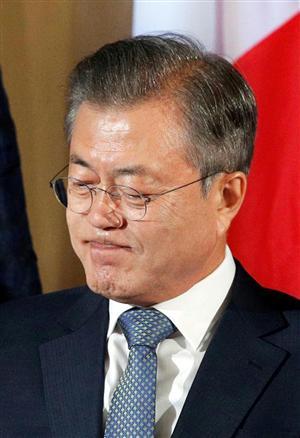 韓国の文大統領は世界中の軍関係者からも見離されるのか…(ロイター)