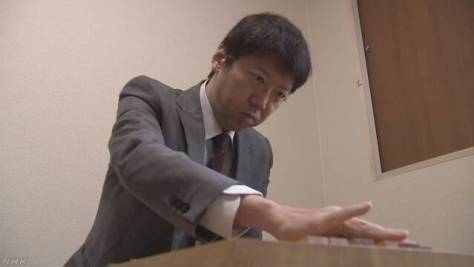 将棋 藤井七段の師匠 杉本昌隆さんが八段に昇段