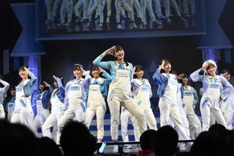 結成2周年ライブを行ったSTU48(C)STU