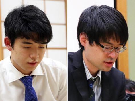 藤井聡太七段(左)と近藤誠也六段
