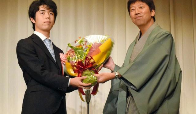 昨年、大活躍の藤井七段 今年も師弟での昇級争いが目標:朝日新聞デジタル