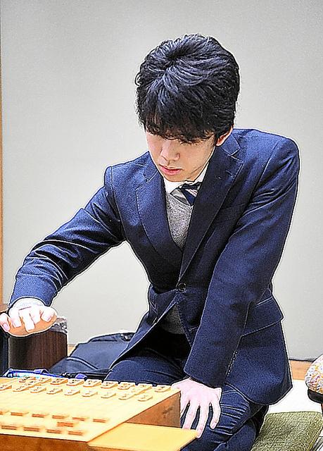 藤井聡太七段=いずれも2019年2月5日、小林一茂撮影 写真・図版