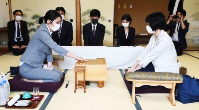 里見が防衛果たすか、加藤反撃か 将棋・女流王位戦、17日に第3局