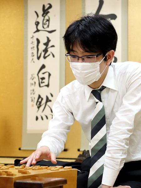 若き天才藤井二冠相手に6連勝とした豊島竜王(提供:日本将棋連盟)