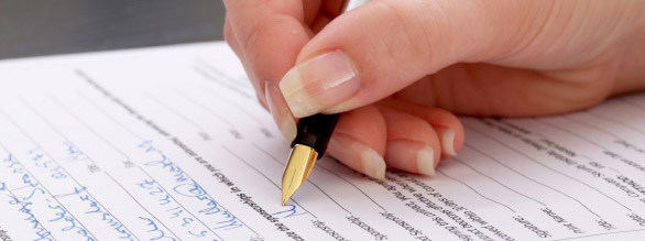 hand_filling_out_form