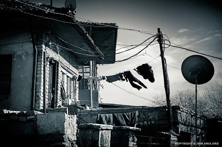 Wallpaper Desktop Girl Falling Old House And Old Memory 54ka Photo Blog
