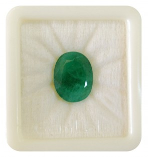Natural Emerald Gemstone