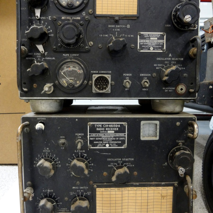 TCS-13 transmitter (top) and receiver (bottom)