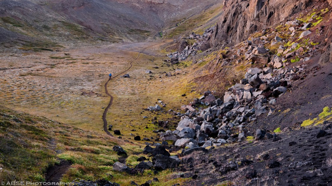 Always important to get enough speed to pass the flat areas. Krafla, Iceland, August 31st 2018 © Alexis Buquet – ABSE Photography. All rights reserved. Please do not use this photo on websites, blogs or any other media without my explicit permission.