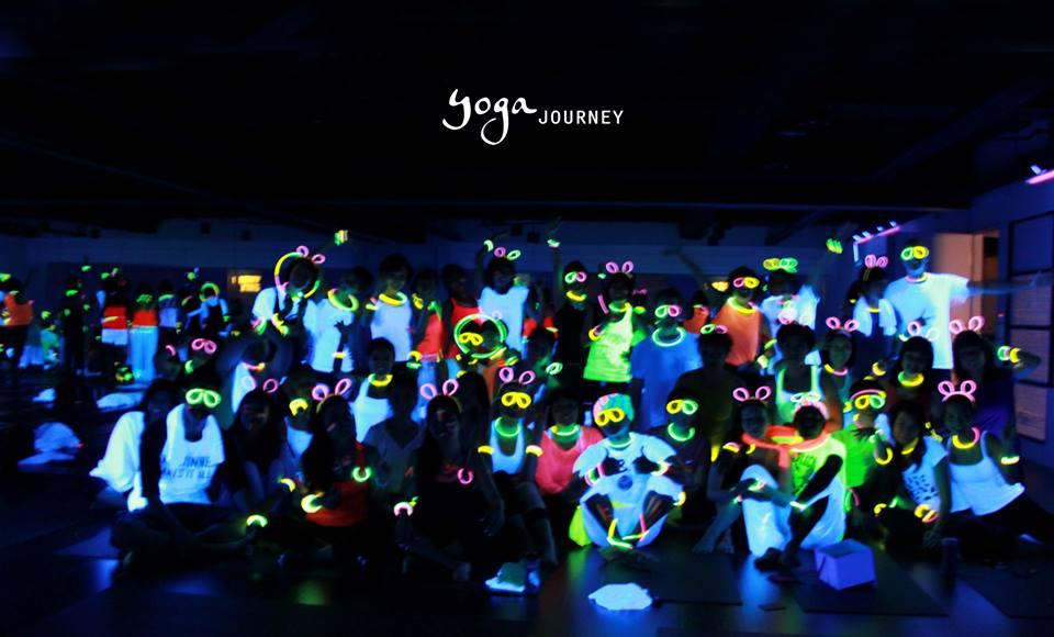 2014 螢光瑜珈派對即將展開-讓我們一起在螢光中做瑜珈! - Accupass 生活誌