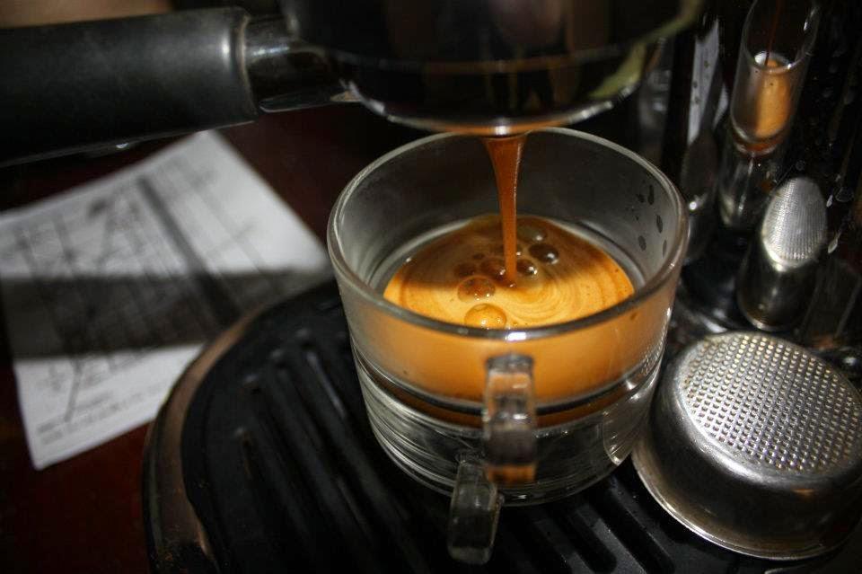還在喝星星咖啡嗎? 5分鐘破解品牌迷思 教你如何判別一杯義式咖啡的好壞! - Accupass 生活誌