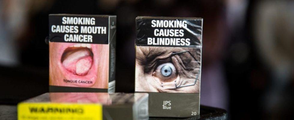 embalagem padronizada de cigarro