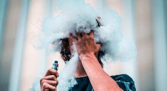 Cigarro eletrônico aumenta risco de fumante experimentar o convencional