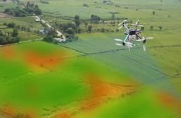cursos de agricultura de precisão (imagem que mostra uma mapeamento de lavoura com drone)