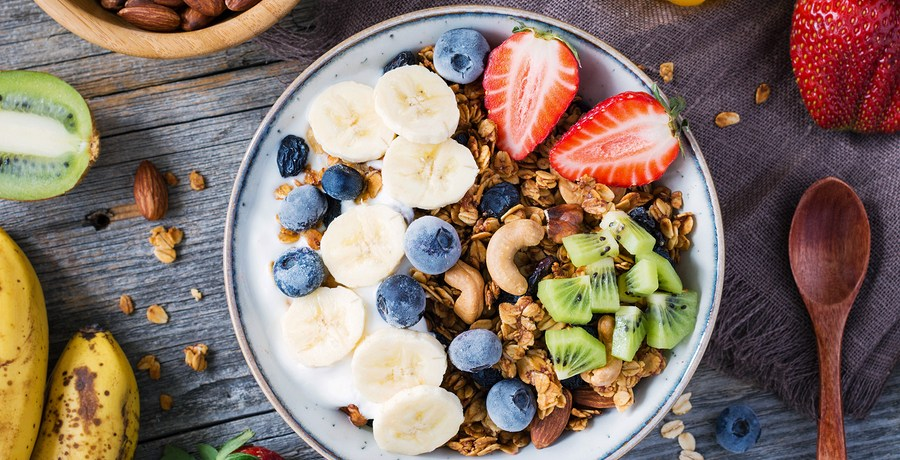 Eating breakfast and small dinner, not snacking, helps weight loss says new study