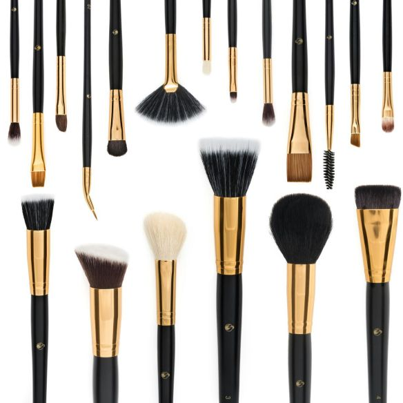 makeup-brushes-beauty-products