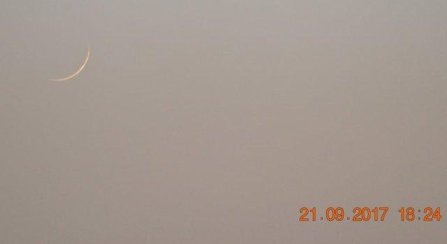 Foto bulan sabit 1 Muharram 1439 H dari Mesir. Hilal ini terlihat pada hari Kamis, 21 September 2017.