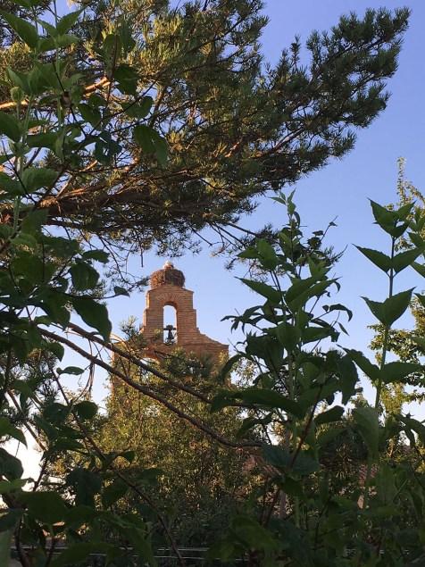 Cigüeña en el Campanario de la Iglesia de San Pedro en Fáfilas