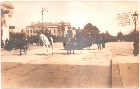 Generalfeldmarschall August von Mackensen in Piata Victoriei.