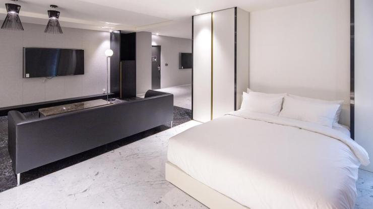 서울 호텔 파티룸 스테이락 호텔 객실 침대
