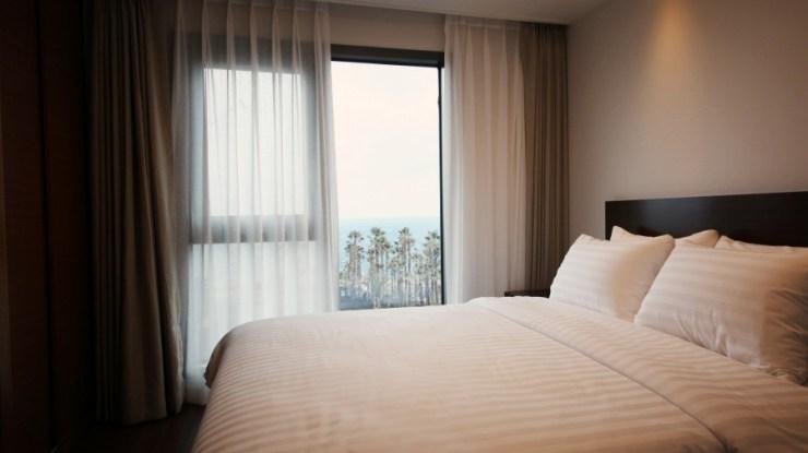 유니 호텔 풀 스위트 침실