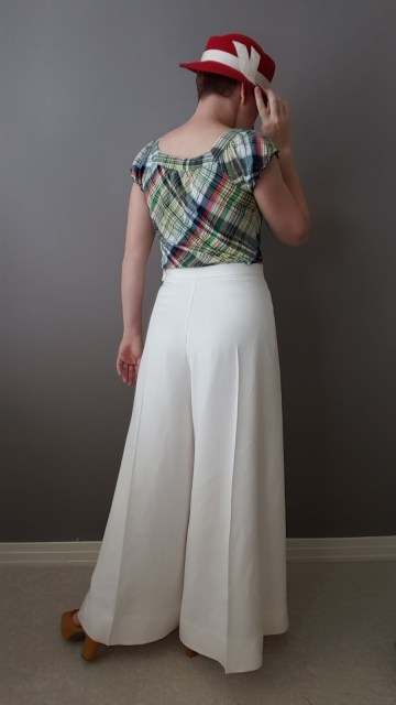 1970s-does-1930s white twill trousers by American Duchess