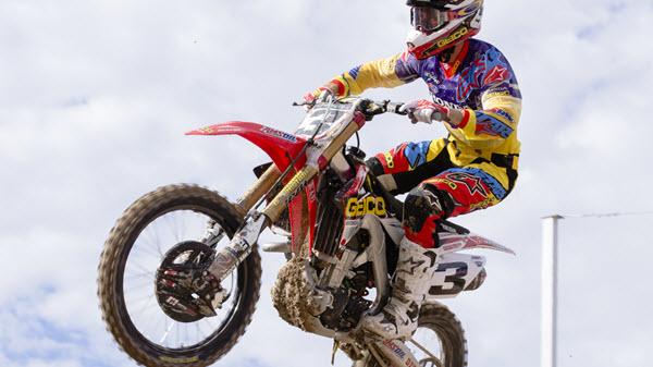 Shock Oil - Dirtbike jump