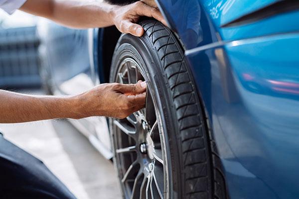 Check car tire.