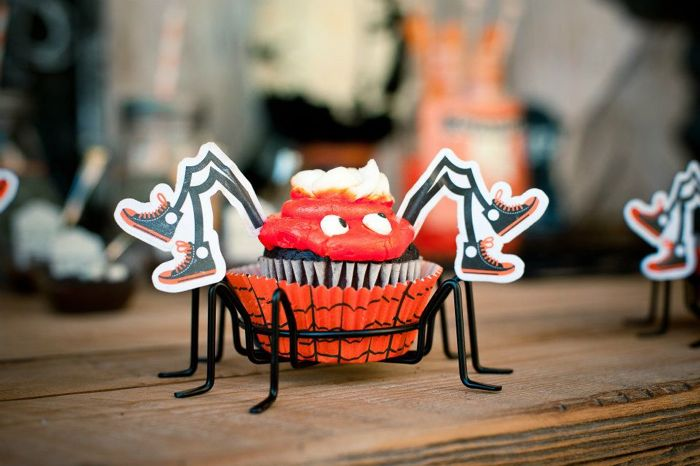 Halloween Dessert Table Inspiration Spider Cupcakes