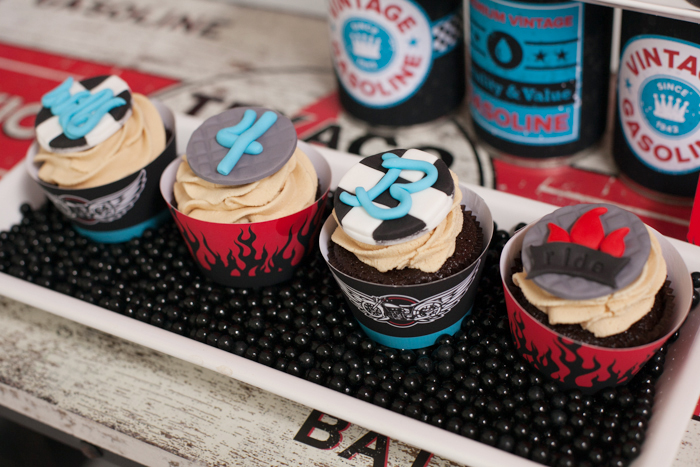 Motorcyle Party for boys | Cupcakes