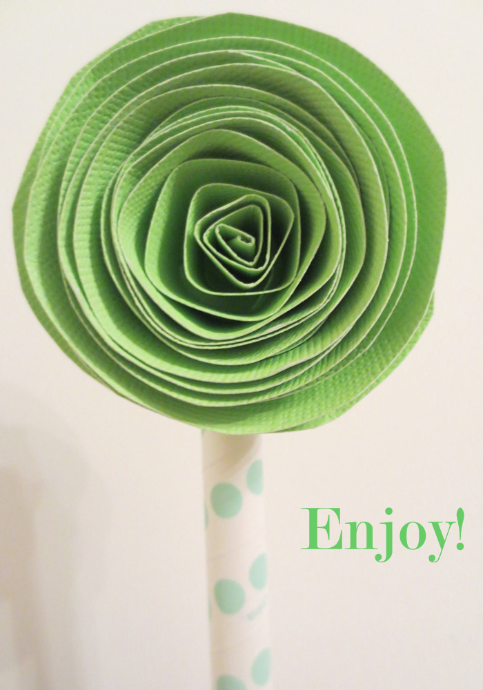 DIY Paper Flower Cupcake Topper