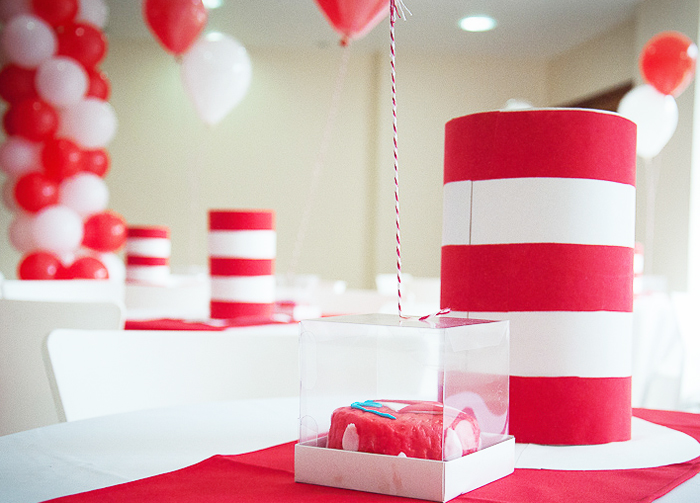 Cat In the Hat Party | Table Decor